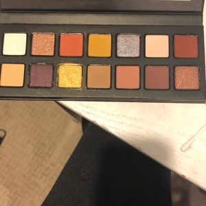 Kylie Jenner Eyeshadow Palette (The Nice Palette)